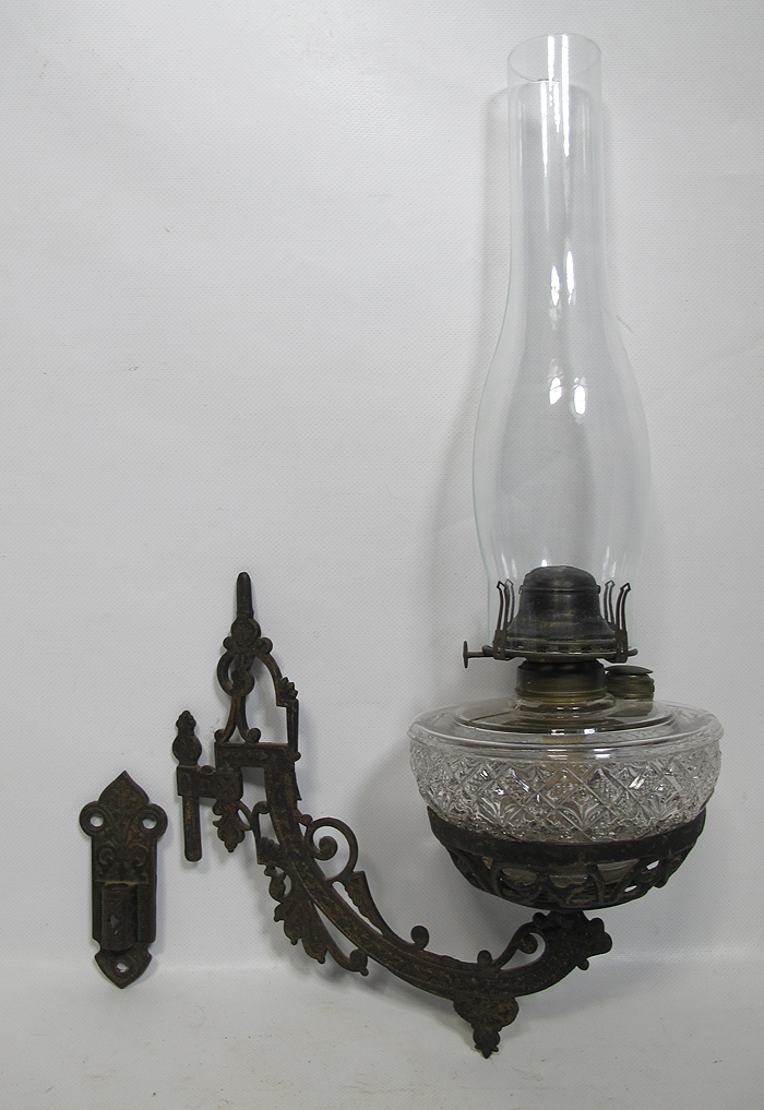 Antique 19th c Cast Iron Wall Bracket Queen Anne Glass Oil Kerosene Lamp #1 yqz eBay